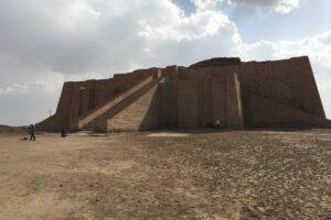 Viaggio alla scoperta delle ziggurat: le antiche piramidi in Iraq