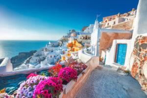 Voli per la Grecia, ma se parti dall'Italia 7 giorni di isolamento