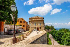 Il borgo di Cingoli: il balcone delle Marche