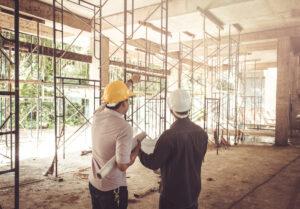 Quali sono le figure professionali coinvolte nella costruzione di una casa?