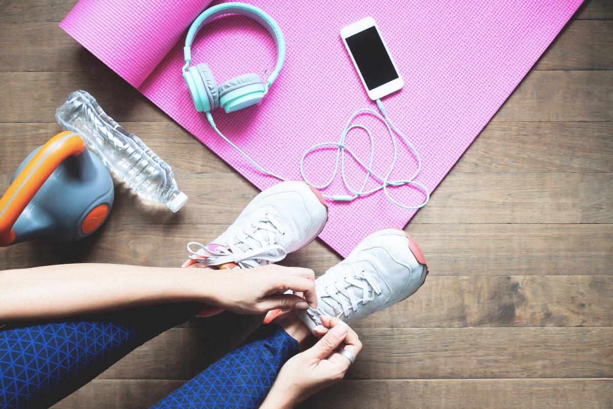 5 esercizi da fare in casa per rimettersi in forma dopo l'estate