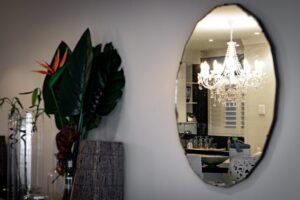 cucina riflessa su specchio
