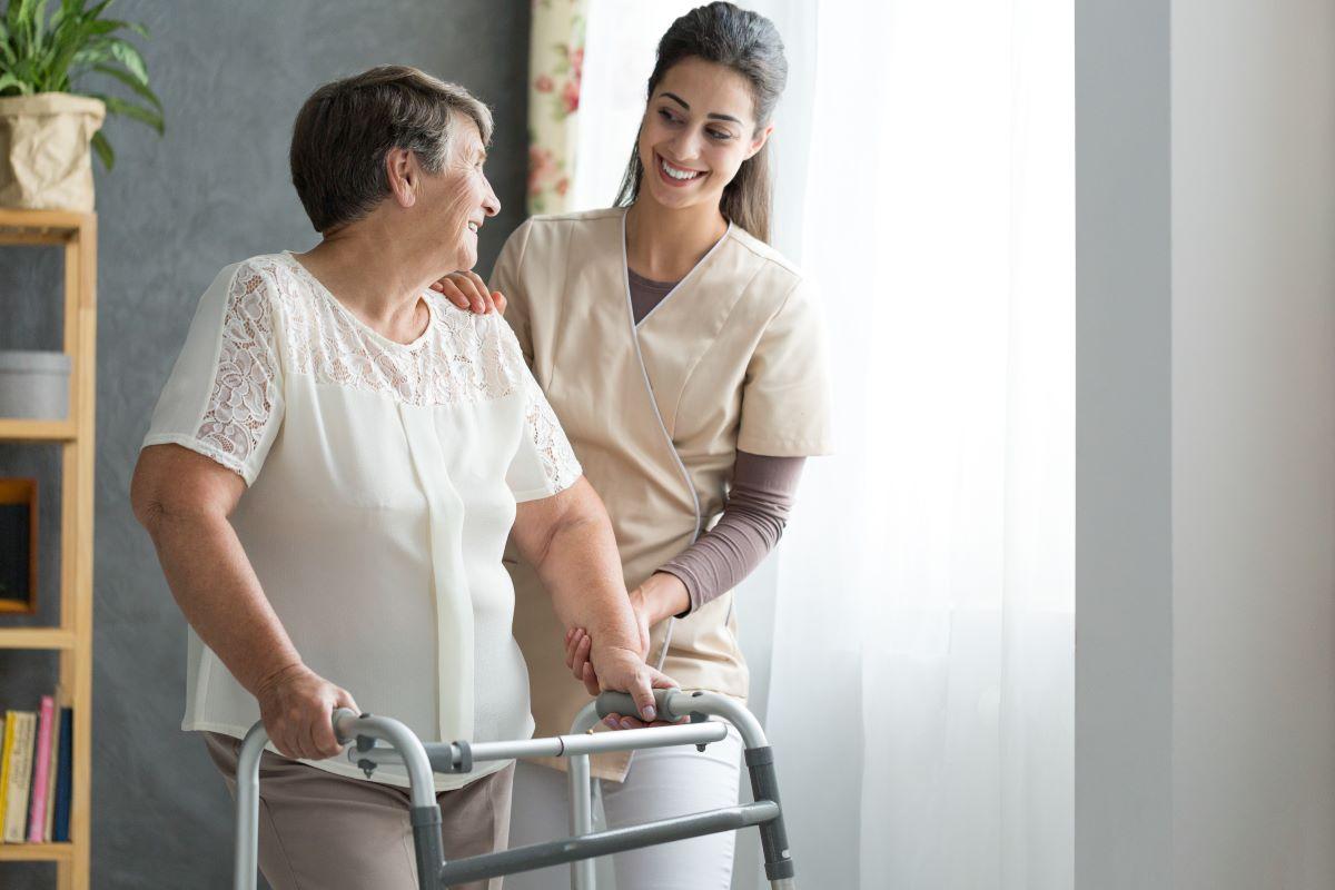 quanto spendono gli italiani per assistenza anziani