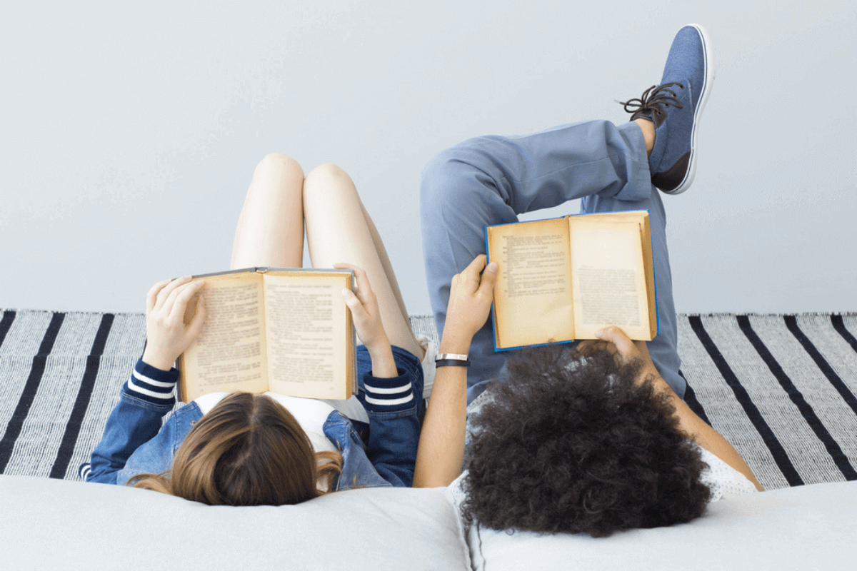 ragazzi che leggono