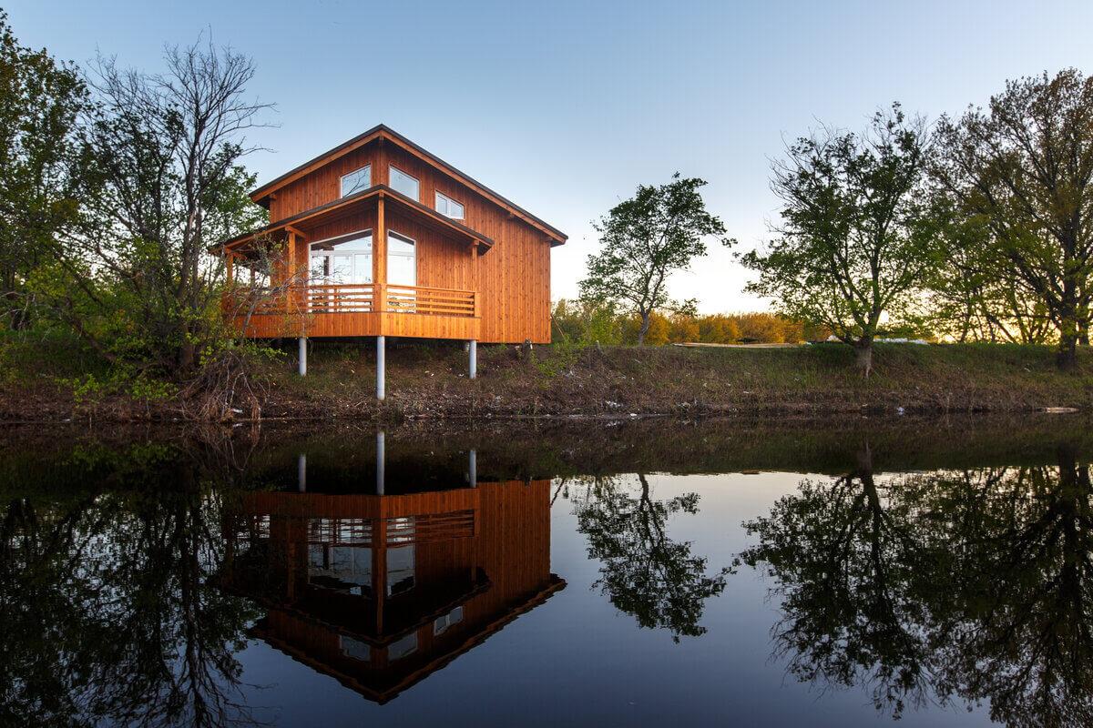 I benefici di vivere in una casa sul lago