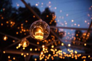 Tante idee per decorare il giardino a Natale