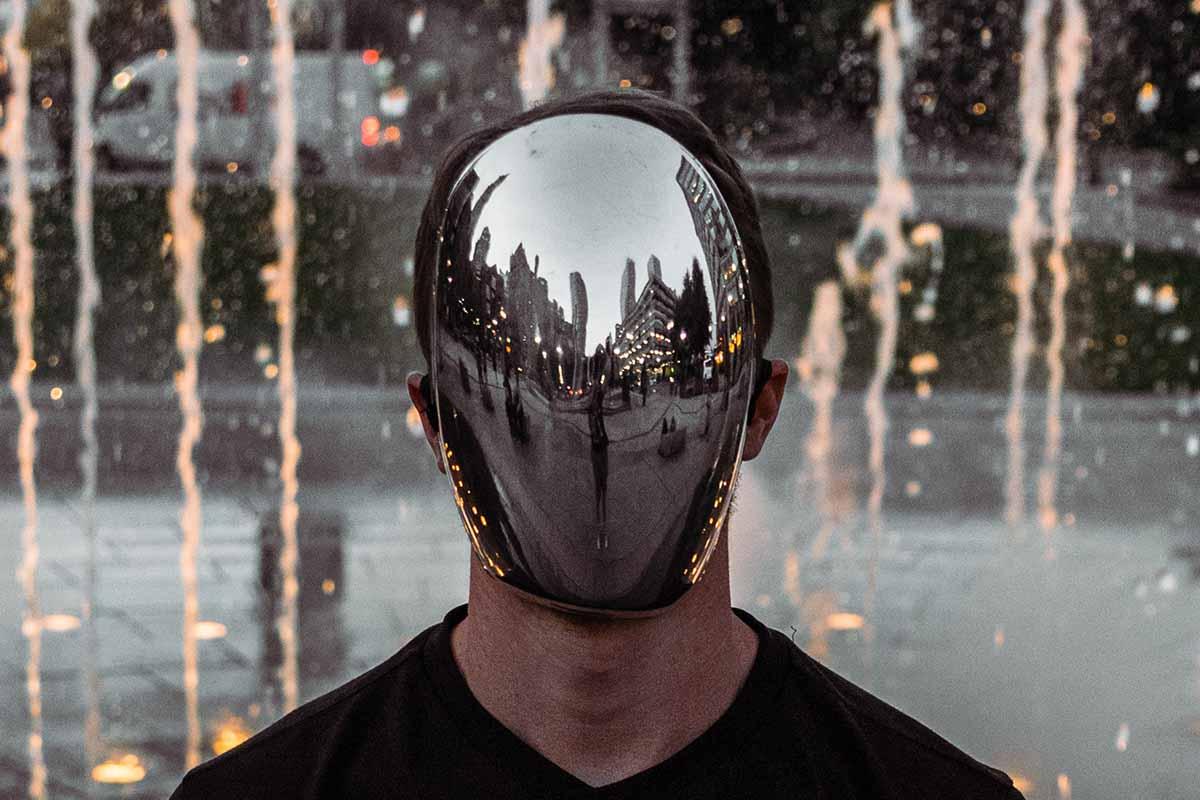 Blanc la maschera che protegge dal Covid