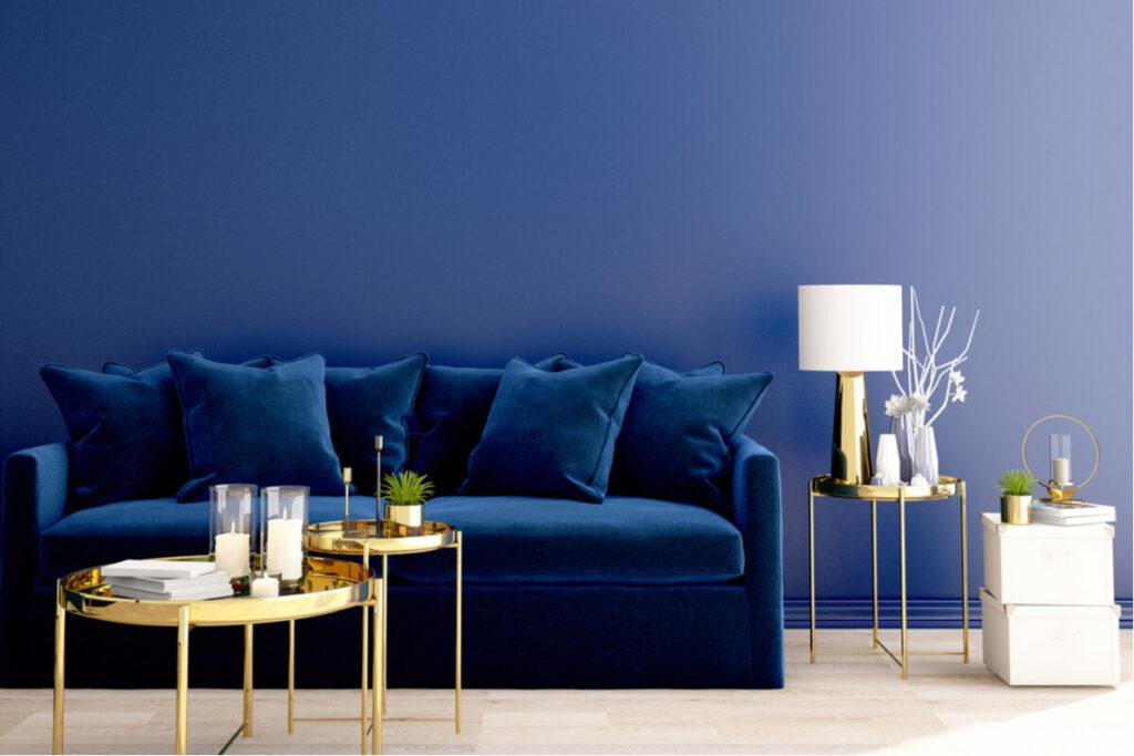 Ecco alcuni consigli low cost per una casa blu trendy ed ecosostenibile.