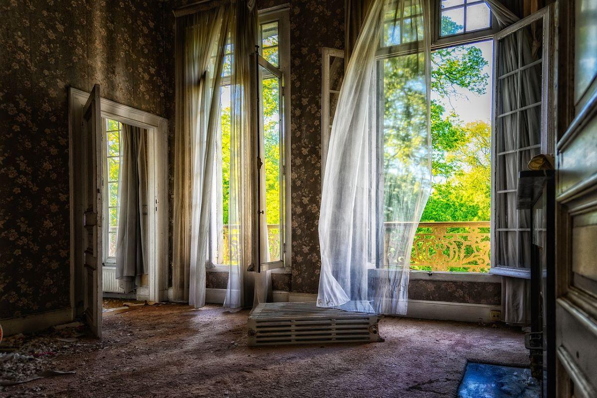 case vuote in Italia