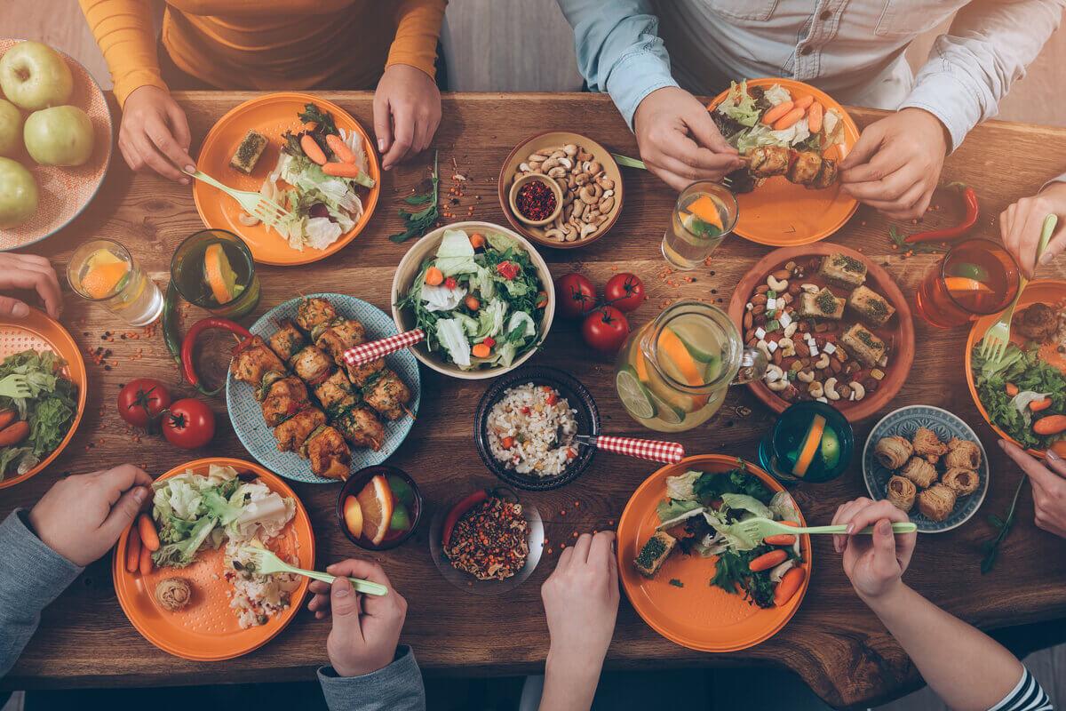 Festività in famiglia - tavola imbandita