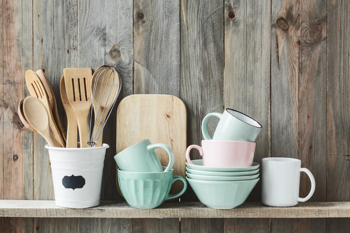 Arredare casa con le mensole - utensili