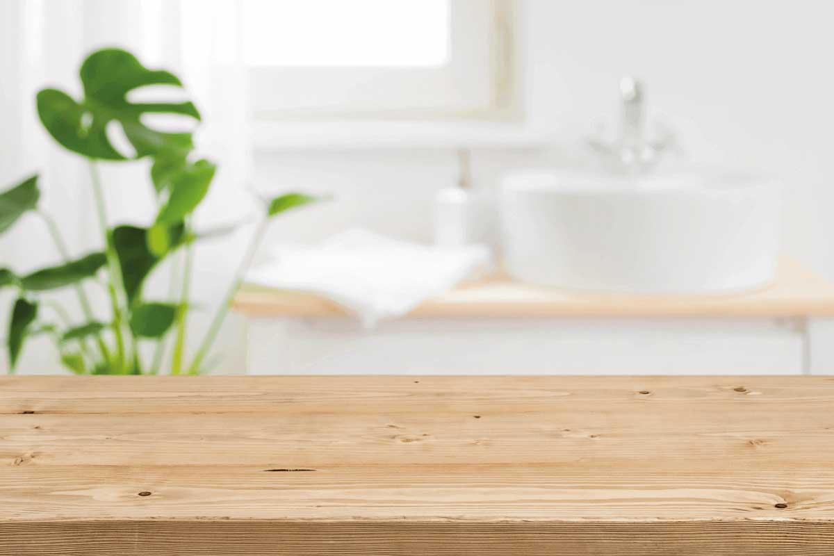 tipologie di legno adatte in bagno per le finiture
