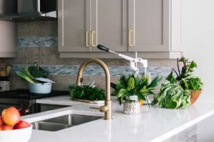 7 consigli per risparmiare soldi in cucina