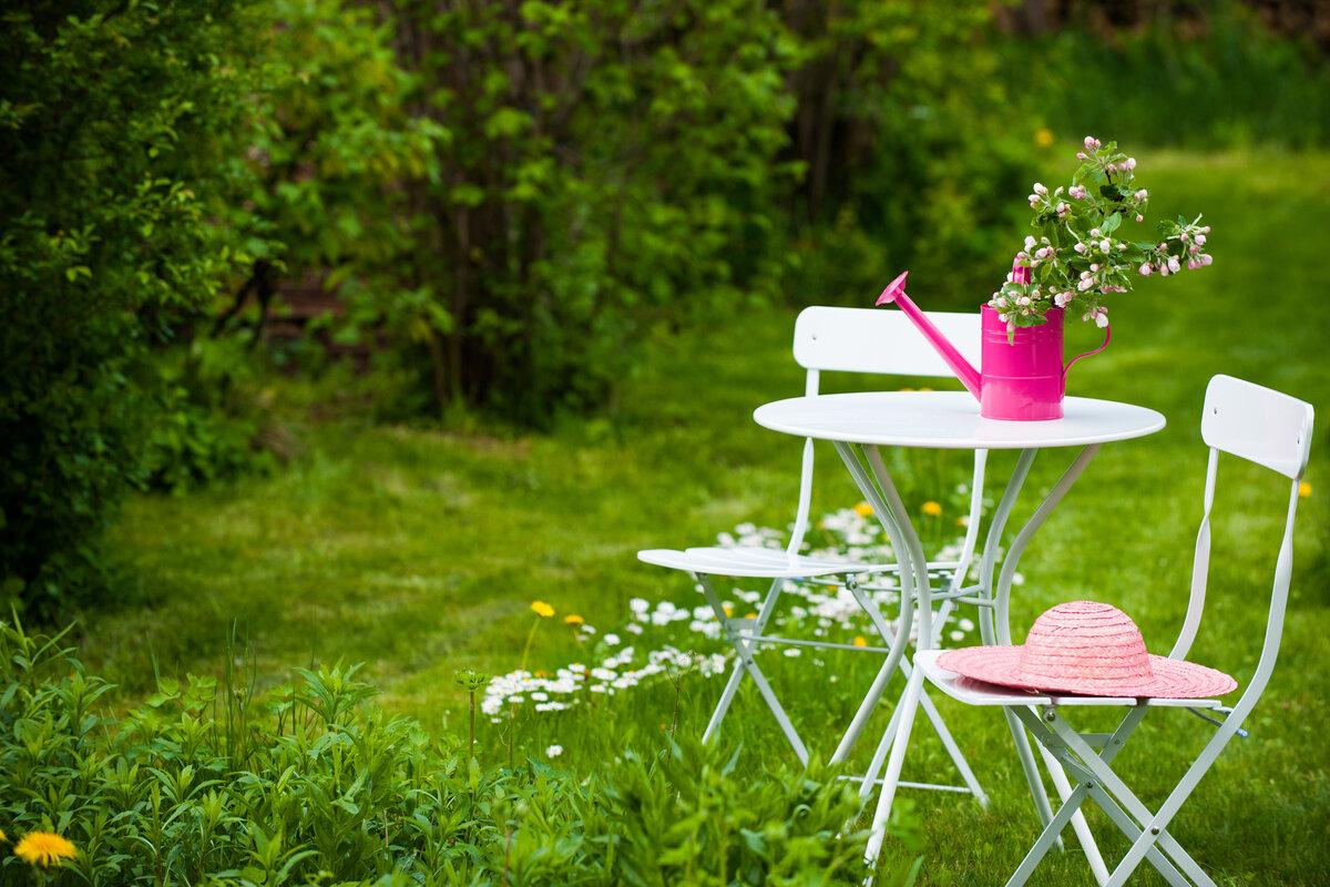 Decorazione effetto pizzo - tavolo da giardino
