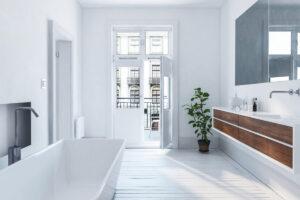 Ristrutturare un bagno lungo e stretto per rinnovare l'ambiente