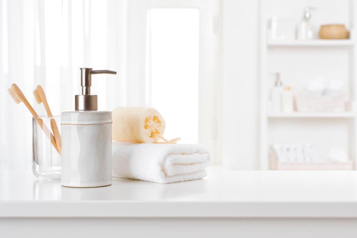 Scegliere gli accessori per il bagno per personalizzare l'ambiente e il lavabo