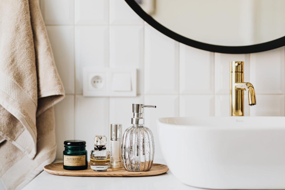 Scegliere le piastrelle adatte ad un bagno piccolo e moderno