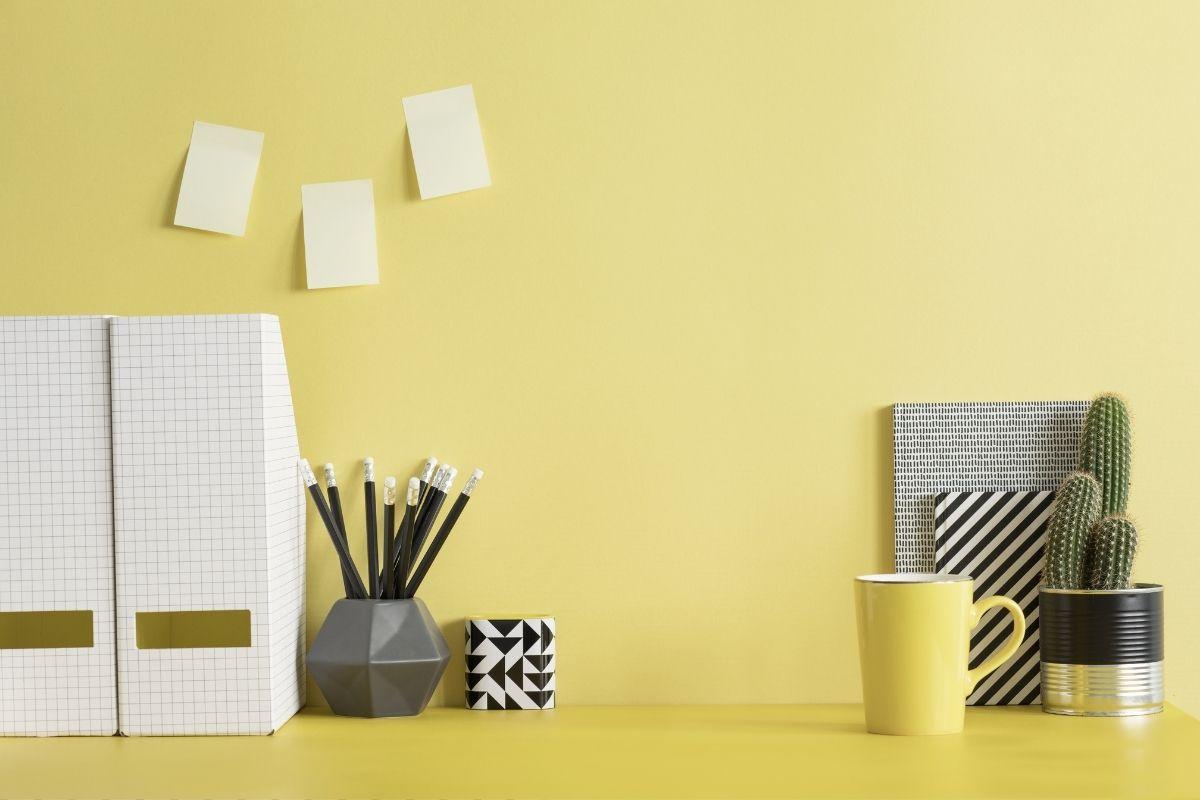 Come personalizzare una scrivania - idee sostenibili ed economiche - Canva