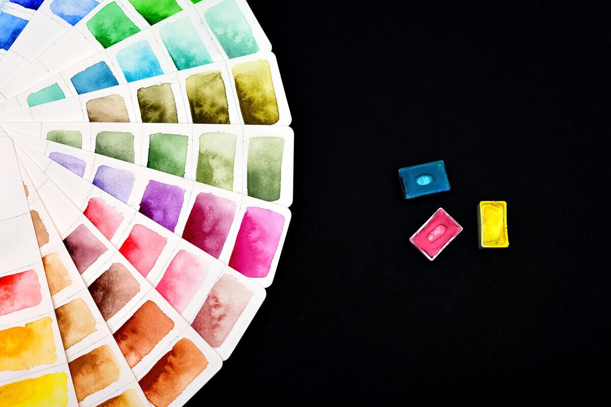 colori che non si devono abbinare - tendenze e stile