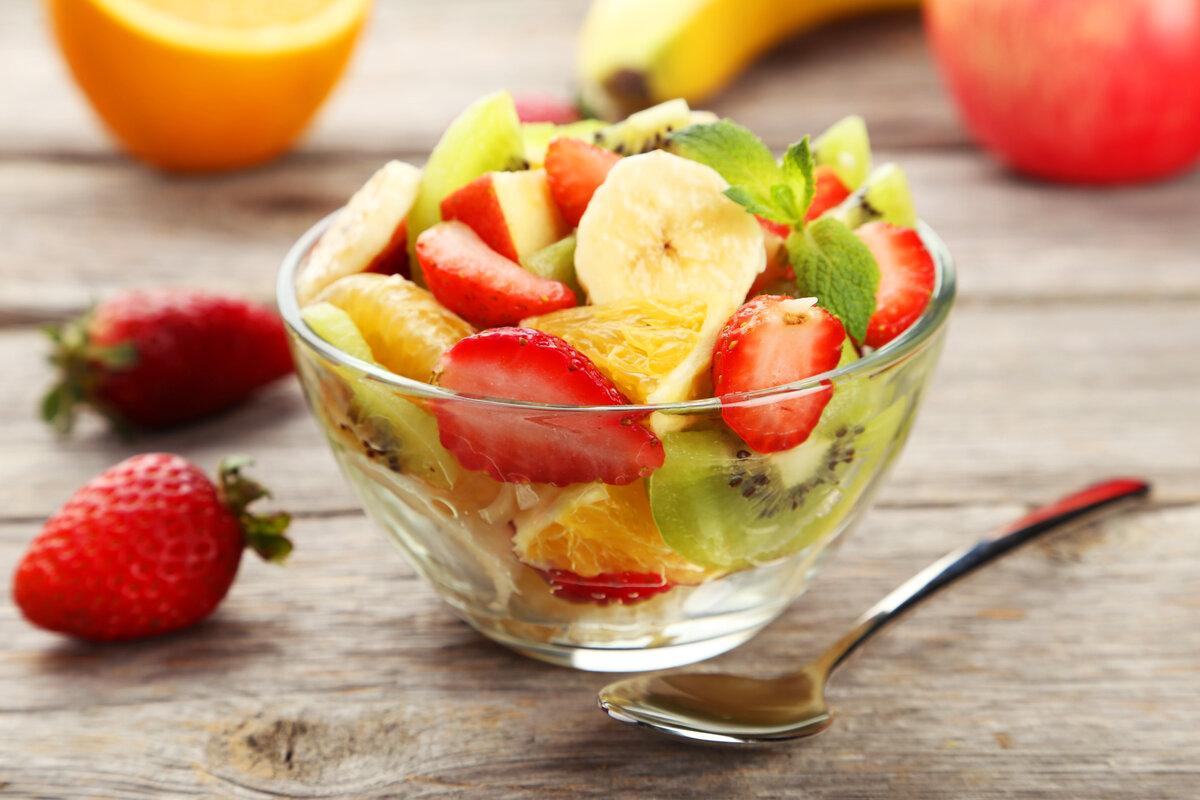 proprietà fragole - macedonia frutta
