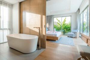Realizzare un bagno in camera da letto con vasca a vista