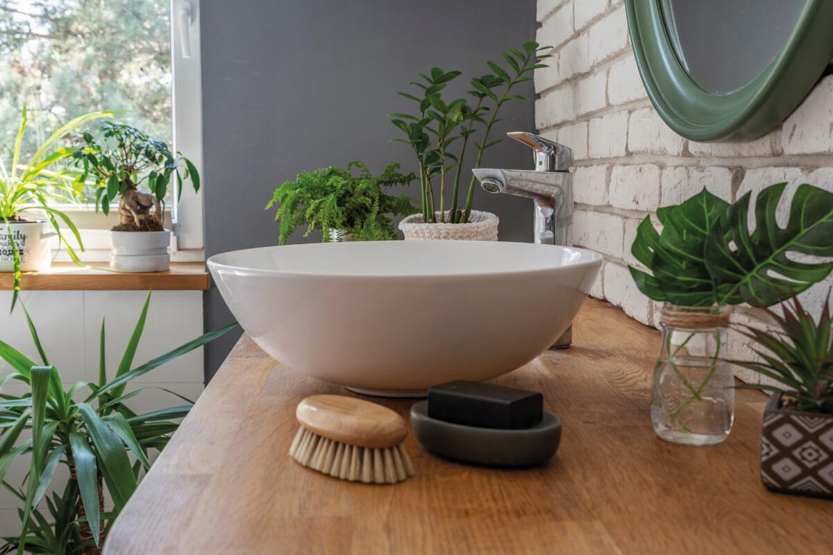 Il lavabo in appoggio in legno