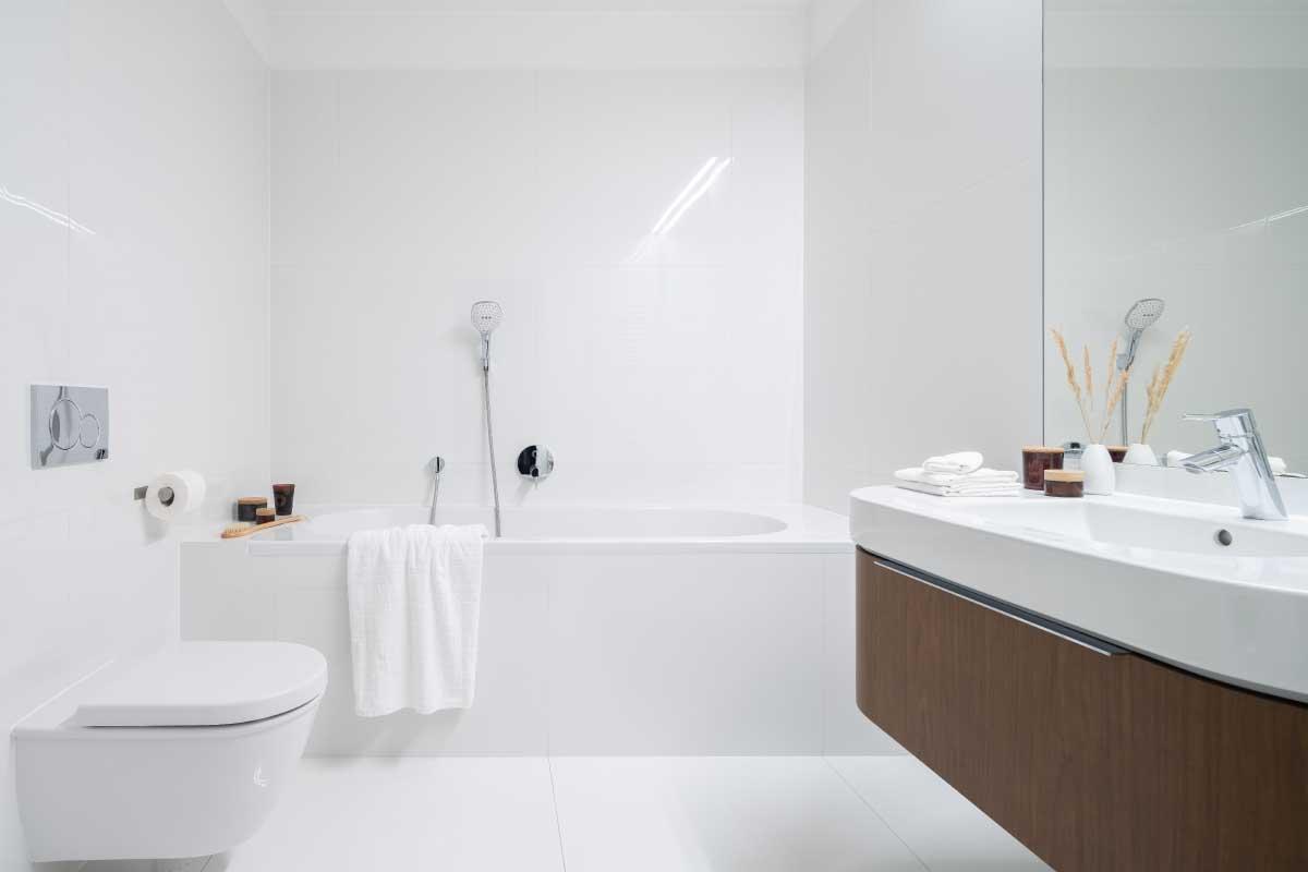 passaggi fondamentali per ristrutturare il bagno velocemente