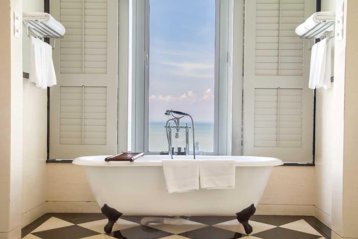 Come arredare il bagno nella casa al mare con tutti i comfort