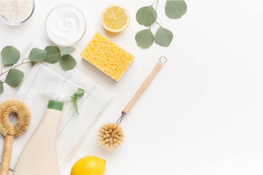 Idee ecologiche per pulire i vetri