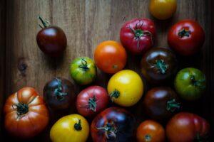 È sufficiente lavare frutta e verdura solo con acqua