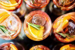 Consumo di alcol a casa: +250%, secondo i dati del lockdown