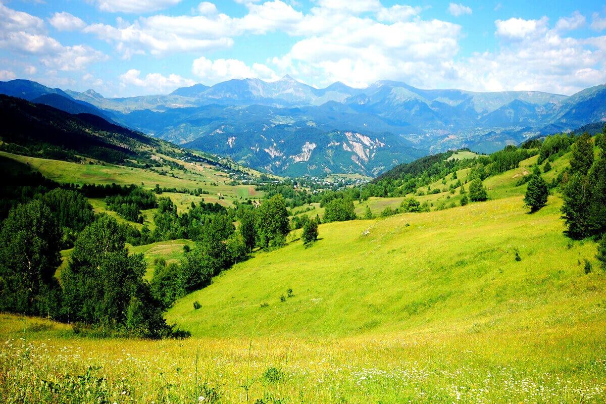 Andare in montagna - paesaggio di montagna
