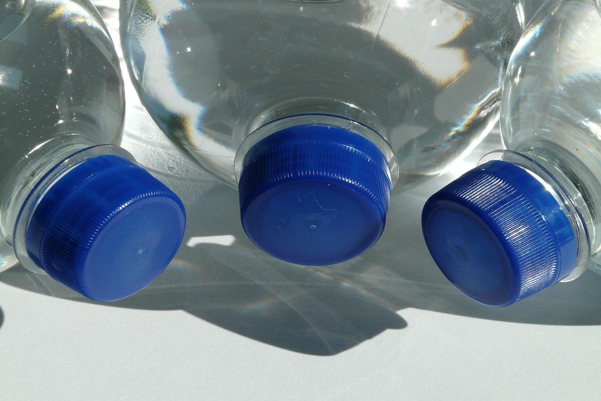 eco-mattoni dalle bottiglie di plastica - bioedilizia