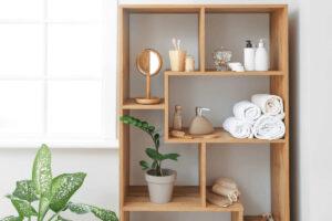 Proposte salvaspazio per bagni piccoli ben organizzati di accessori