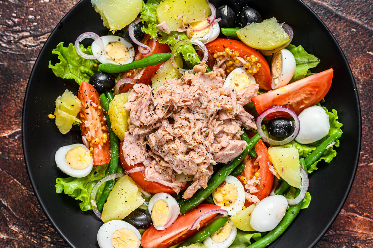 Tonno in scatola - insalata con tonno