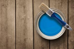 Le migliori marche di vernici per il legno da usare per dare colore agli arredi