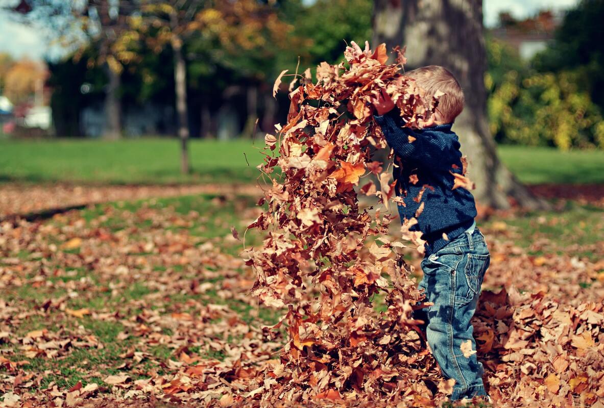 giocare in giardino - bambini