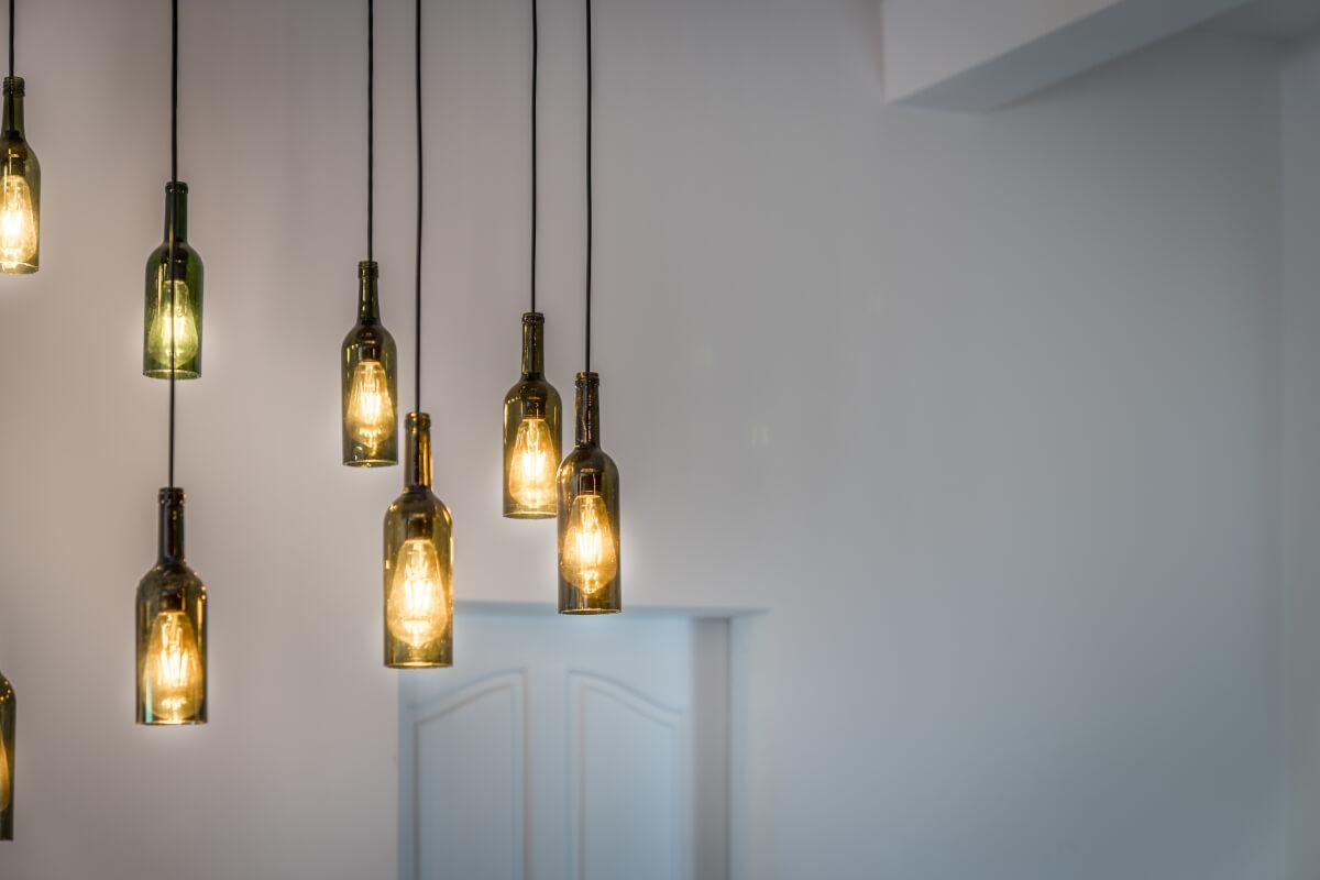 realizzare una lampada riciclando una bottiglia in vetro