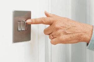 Risparmiare sulla bolletta luce elettrica